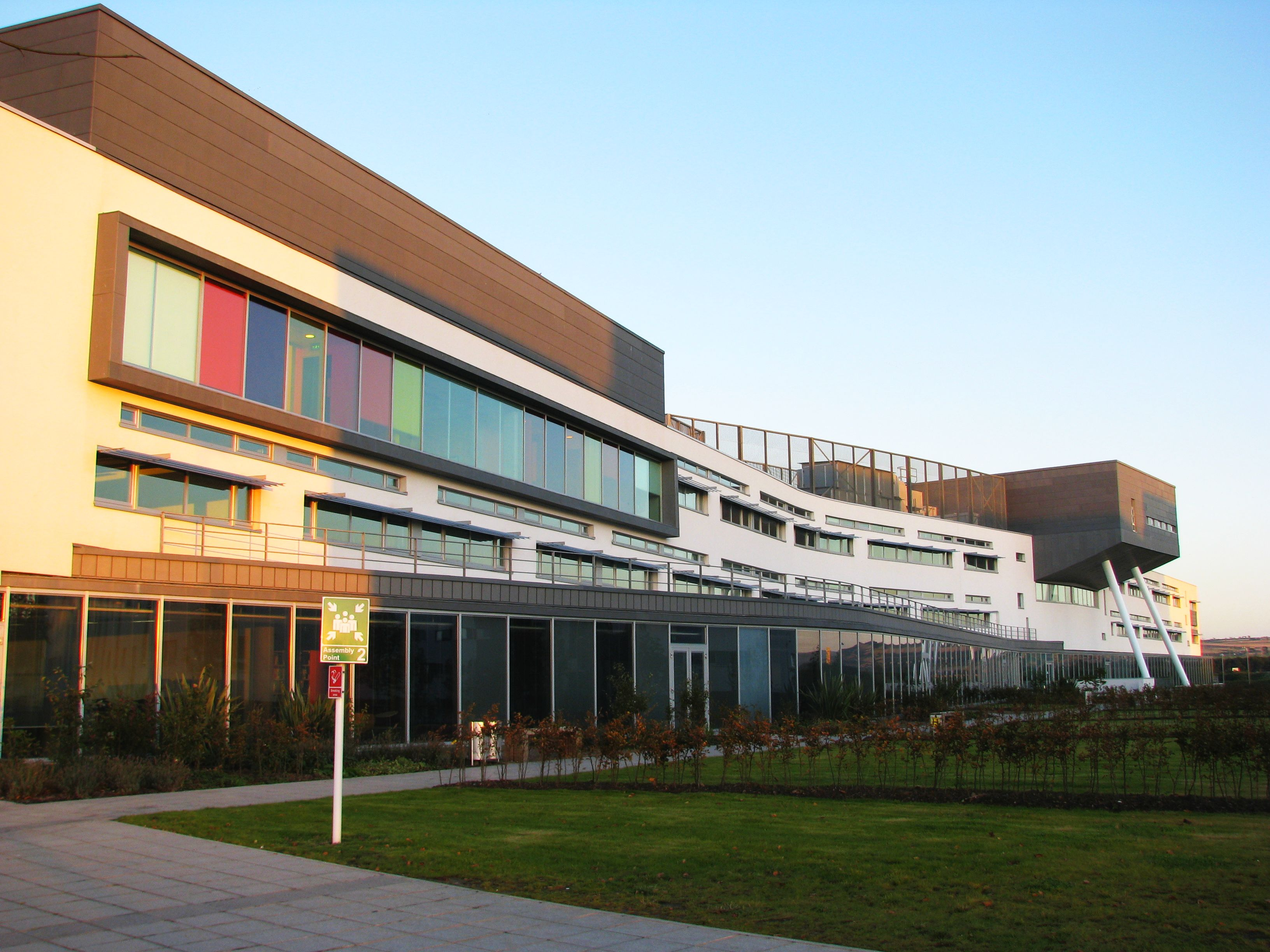 Queen_Margaret_University_main_buildingm